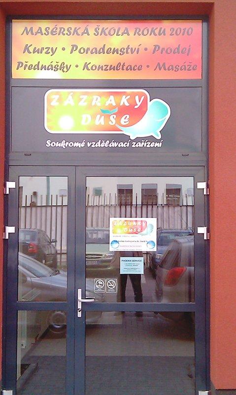 Vchod | ZÁZRAKY DUŠE - Masérské kurzy Ostrava